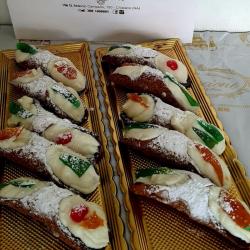 Cannoli Siciliani - Pasticceria Mincione