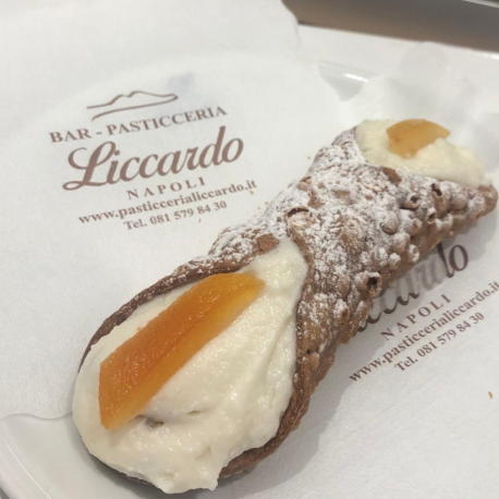 Cannolo Siciliano -...