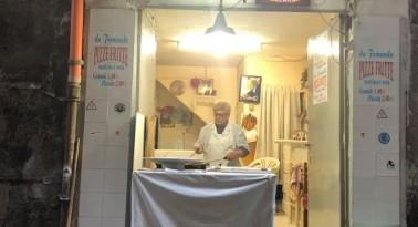 """La pizza fritta perfetta, intervista alla """"signora del vascio"""""""